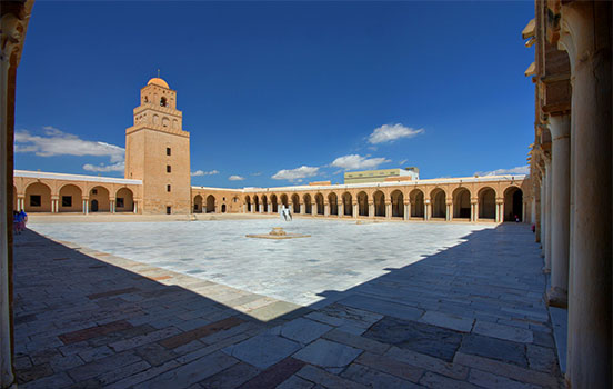 side-by-side_Overview_of_the_courtyard_of_the_Great_Mosque_of_Kairouan.jpg